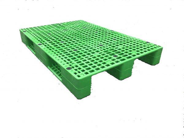 plastic pallets materials